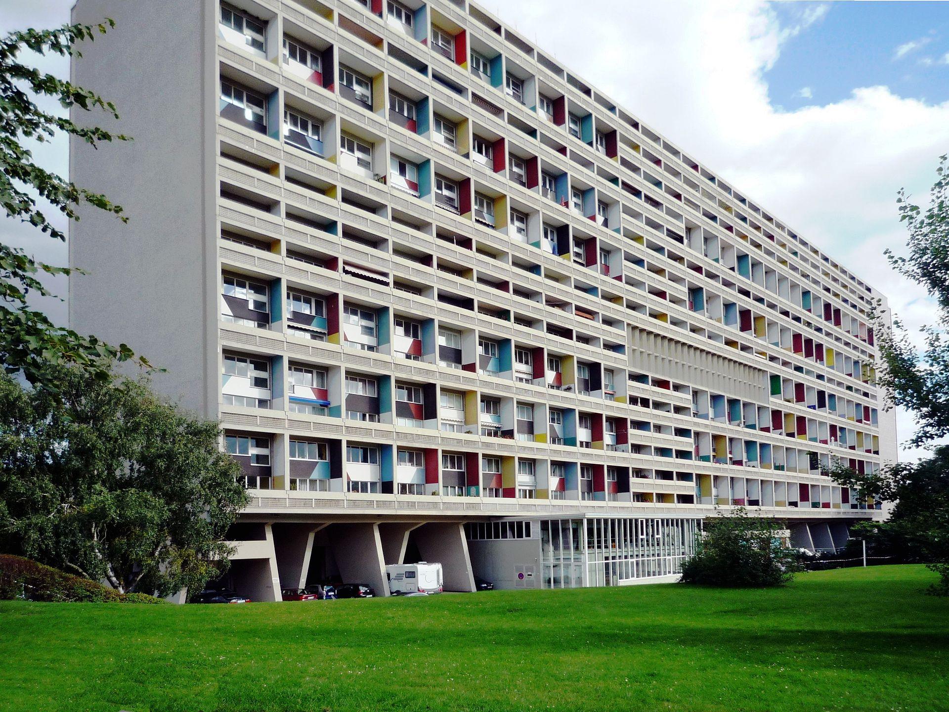 1920px-Corbusierhaus_Berlin_B