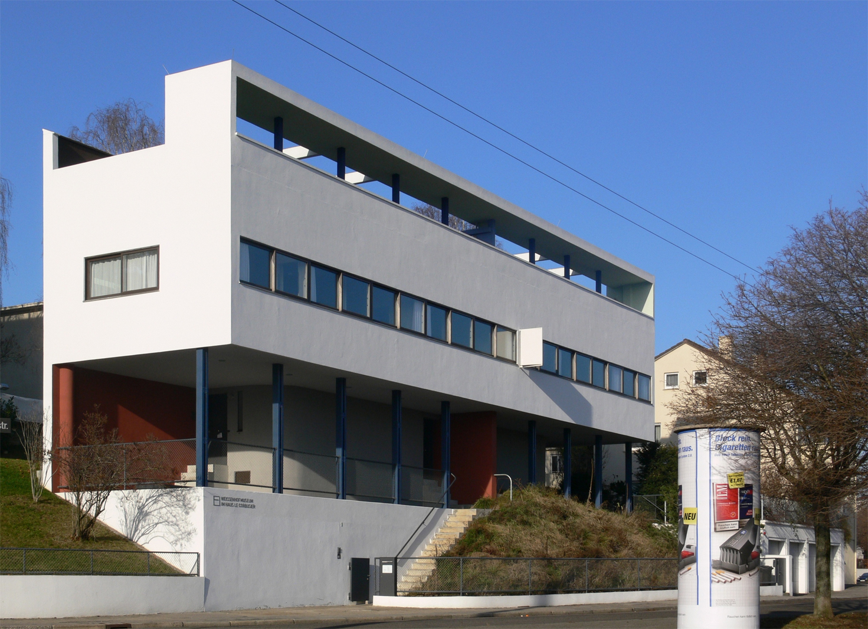 Doppelhaus von Le Corbusier und Pierre Jeanneret in der Weißenhofsiedlung in Stuttgart als Musterbeispiel für die Umsetzung der Fünf Punkte zu einer neuen Architektur