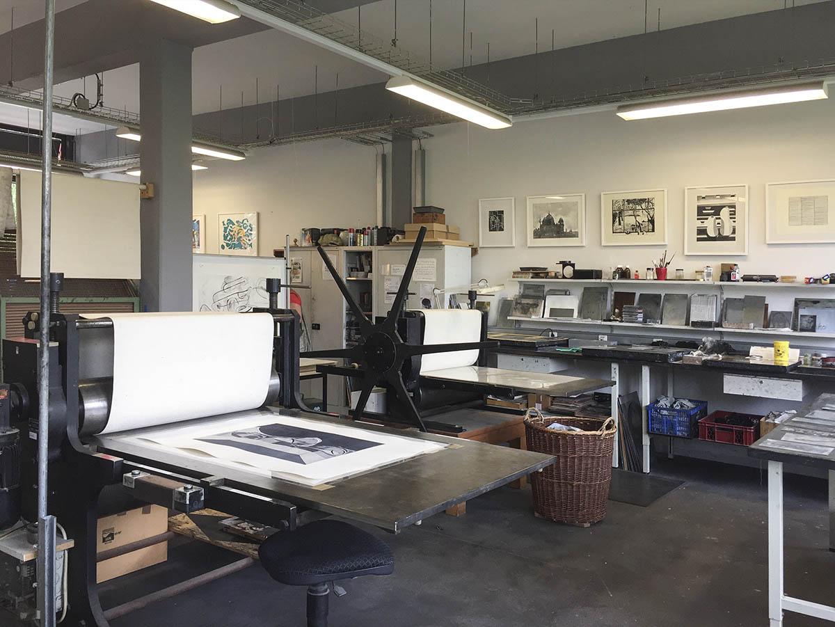 Lithowerkstatt. Steindruck, Holzdruck und Radierungen